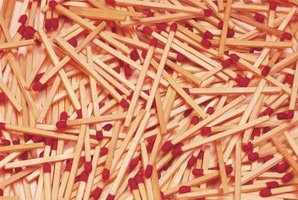 Wooden matches can be used to create a variety of craft items.