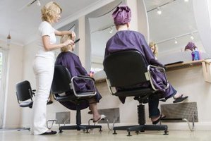 How to Open a Beauty Salon in Florida