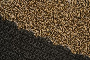 A regular shell stitch pattern consists of rows of shells that are nested.
