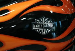 How to Change Hand Grips on a Harley Davidson