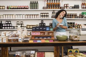 Retail business plans should focus on marketing and management best practices.