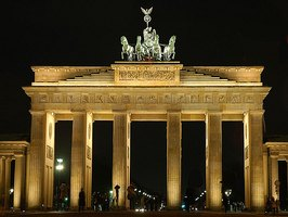 In What Area of Berlin Is the Brandenburg Gate?