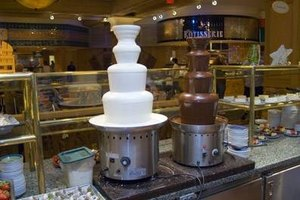 Melting chocolate for chocolate fountains is a straightforward process.