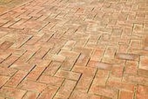 How to Lay A Brick Patio Yourself | eHow