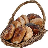 Bagels come in dozens of varieties: pumpernickel, garlic, sesame, cinnamon raisin and onion, just to name a few.