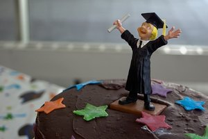 There are many creative graduation desserts recipes
