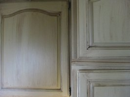 Cheap oak cabinets transformed with Tuscan finish