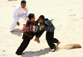 Don't kick sand in these guys' faces: Pencak silat in action