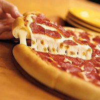 Make Pizza Hut Stuffed Crust Pizza