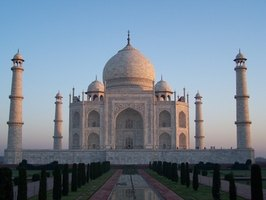 Indulge your passion for adventure and head to India for a 40th birthday vacation.