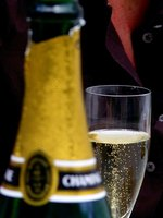 Celebrate a 1940s birthday with champagne.