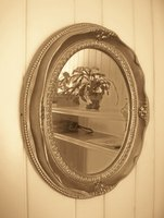 Round mirrors can come in a variety of styles and colors.