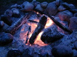 Learn how to make your own brick and mortar fire pit.