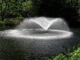 The sound and sight of spraying water sets a relaxed romantic mood.