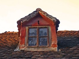There are simple ways to protect vulnerable home areas from roof burglary.
