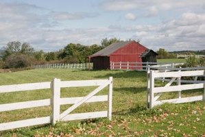 Planning of field fences must take uneven terrain into account.