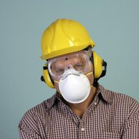 Wear protective clothing and head gear when using a sandblaster.