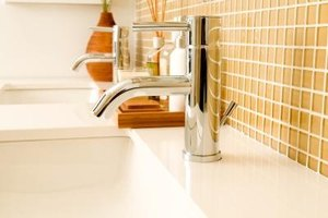 Find A Temporary Fix For A Dull Backsplash If You Live In An Apartment
