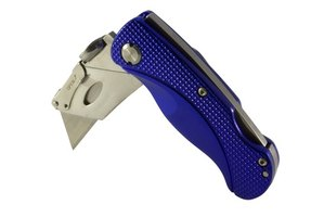 Folding utility knives utilize a quick release system for changing the blade.