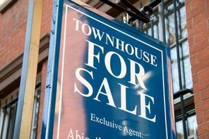 Townhouses and condos each offer different advantages to a buyer.