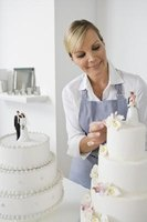 Use marshmallow fondant to create intricate designs on wedding cakes.