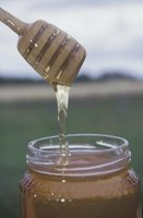 Honey is a sweetener that can make barbecue sauce less spicy.
