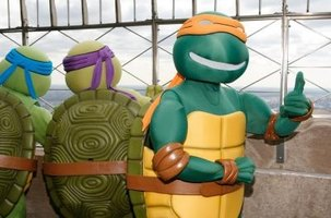 Ninja Turtle costumes consist of three main parts: body, shell and accessories.