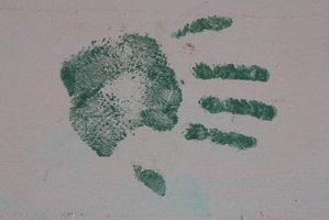 Create custom keepsakes and gifts with handprints.