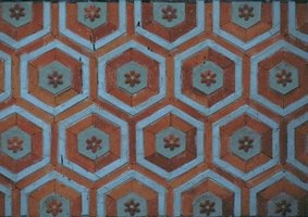 1930s floor tiles are commonly found in bungalows, ranches or tudor homes.