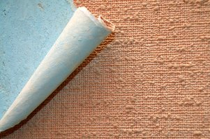 Use home remedies to remove a wallpaper border.