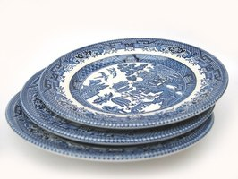 Blue Willow dishes have been popular for hundreds of years.