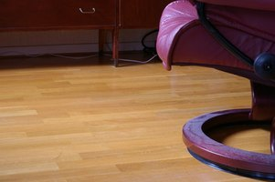 There's a simple way to prevent laminate flooring from slipping during installation.