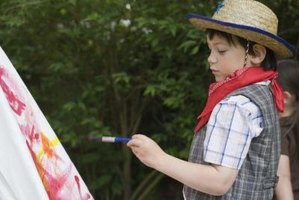 A Western VBS theme lends itself to a wide variety of crafts.