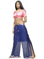 The choli is also worn with lehengas, sari pants and belly dance costumes.