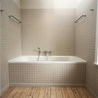 The framing behind the tile surrounding a bathtub can affect the finished look.