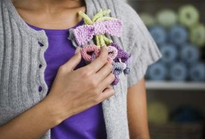 "French knitting is also called spool knitting in English. It is called ""tricotin"" in French."