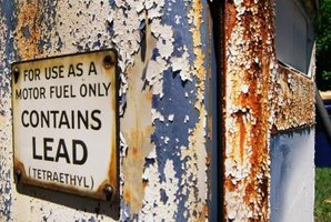 How to Identify Lead Paint With a Burning Paint Chip Test