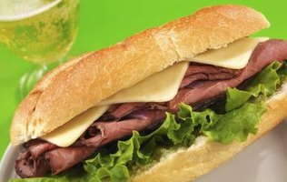 Eat hoagies as soon as possible after preparation so the lettuce and other cold ingredients don't wilt.