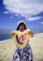 Bid an almost-Hawaiian welcome with a lei crocheted on a traditional model.