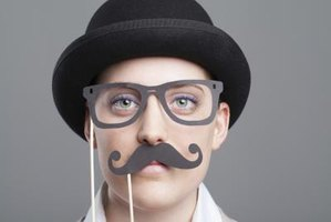 A good disguise draws attention away from your distinguishing features.