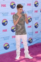 Attending promotional apperances is one of the best ways to meet Justin Bieber.