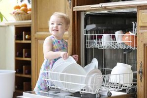 A natural rinse agent helps keep dishes and glassware sparkling clean.