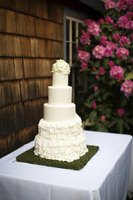 Fondant ruffles and pleats look most elegant when made in white against an all-white background.