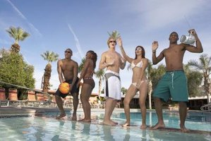 Pool party games are ideal to use as an icebreaker activity.