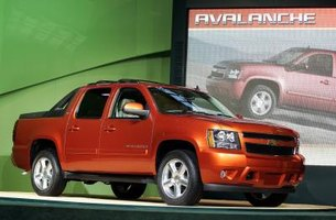 How to Customize a Chevy Avalanche