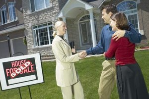 Many real estate brokers offer sales support at a fixed rate to sellers.