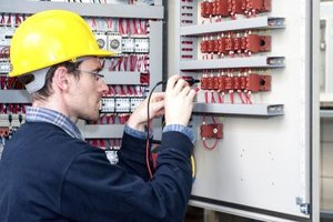 I&E technicians use electronic test equipment to troubleshoot circuits.