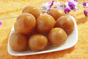 Serve brown rasgulla at room temperature and serve white rasgulla chilled.