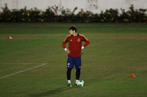 Even Spain's premier goalie, Iker Casillas, has to look around at times for some practice company.