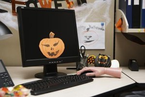 How to Create Online Printable Halloween Flyers